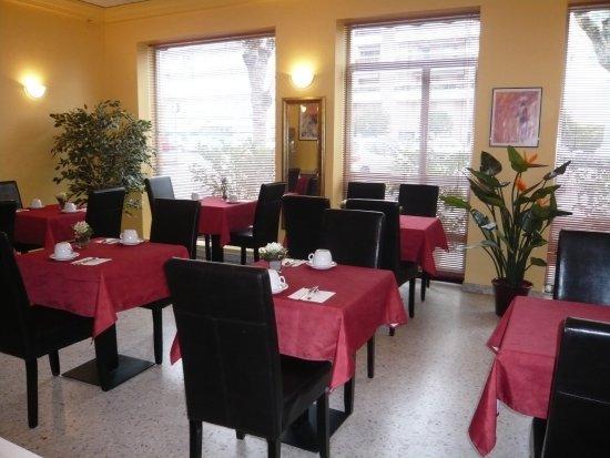 Hôtel le Parisien, hôtels à Menton
