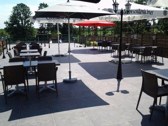 Linter, Belgium: terrasse