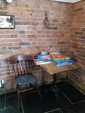 Cradley, UK: Games table