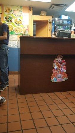 Peabody, MA : The uninviting lobby