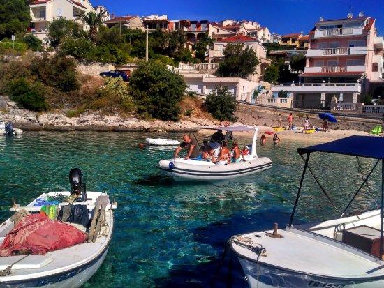 Slatine, كرواتيا: Rent a Boat 