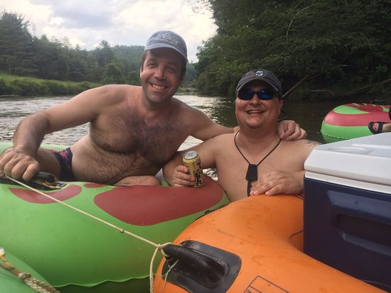 Jefferson, NC: Great fun on the river