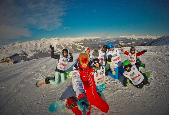 ESF Vallée de Méribel : snowboard with l'#esfmeribel