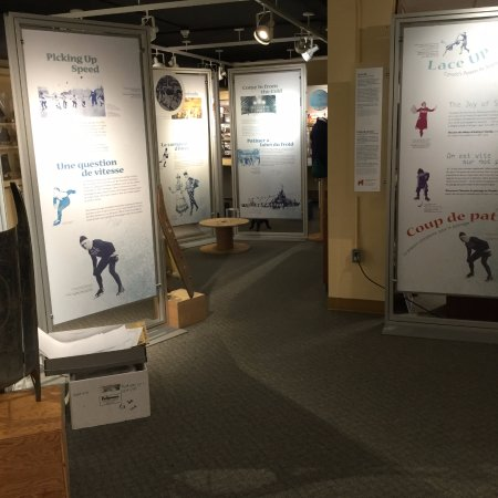 Saint Thomas, Canadá: In early 2017, our exhibit 'Lace Up' traced the history of winter sports.