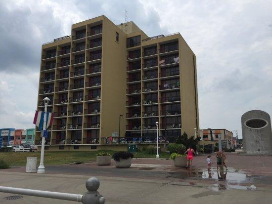 The Breakers Resort Inn: photo3.jpg