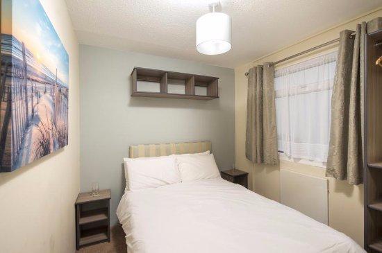 Combe Martin, UK: Gold Chalet bedroom