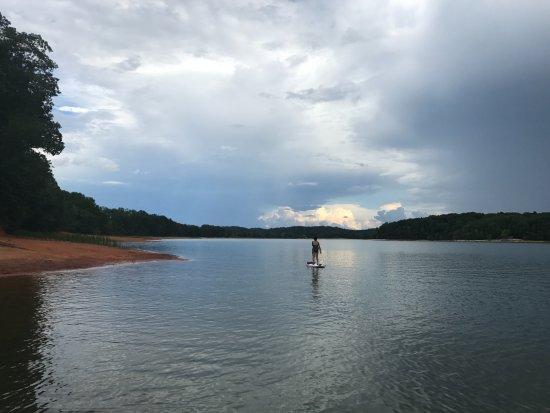 Seneca, Carolina del Sur: On Lake Hartwell using a SUP from Hartwell-Keowee Paddleboard & Kayak Co.!