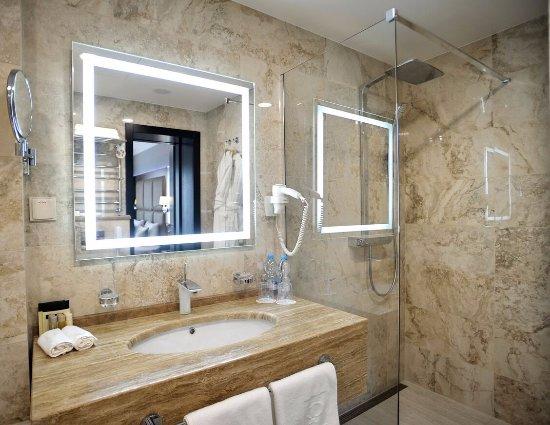 Premier Hotel Dnister: Premier Suite