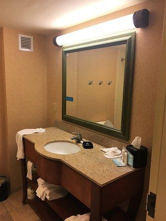 Greenfield, MA: Nette ruime badkamer