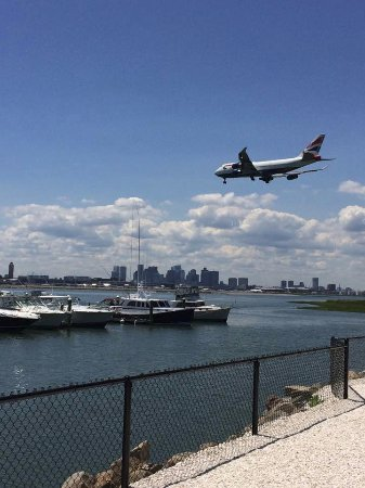 Winthrop, MA: The planes landing at Logan Airport