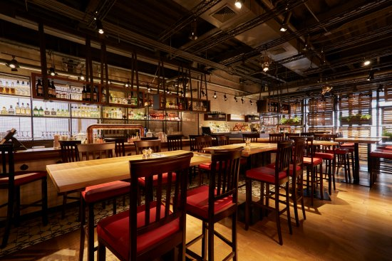 The interior of the Burger & Lobster Bryant Park location. Hope to see you here soon.