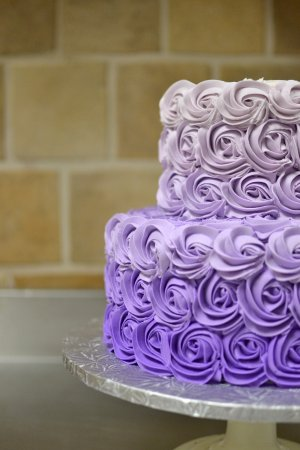 Glyndon, แมรี่แลนด์: Schedule a consultation with our Cake Decorator and design the perfect cake for your event