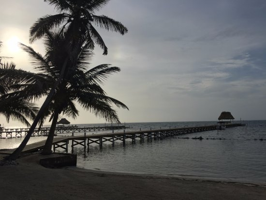Athens Gate Beach Resort: view of the pier