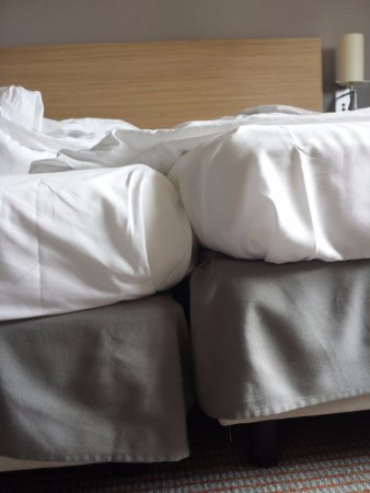 Fuerth, Germany: So sieht es aus, wenn man die Bett - wie vorgeschlagen - zusammenstellt