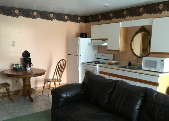 BLUE SPRUCE MOTEL $100 ($̶1̶1̶1̶)   Prices U0026 Reviews   Massena, NY    TripAdvisor