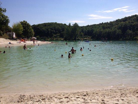 Montaigu-de-Quercy, France: lac