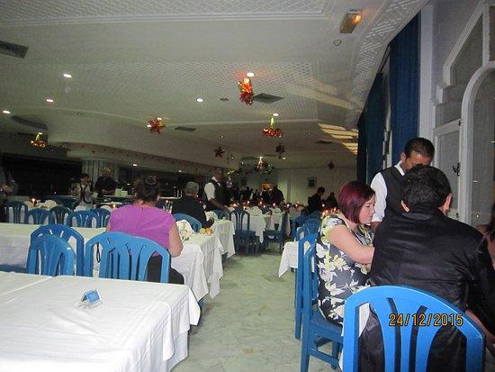 Marhaba Royal Salem: immer voll, man behält seinen Sitzplatz während des ganzen Aufenthaltes