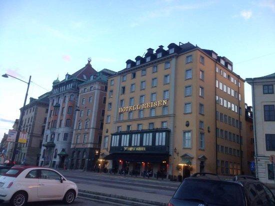 First Hotel Reisen: great location