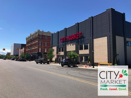 We're conveniently located in Downtown Bay City, with plenty of parking options!