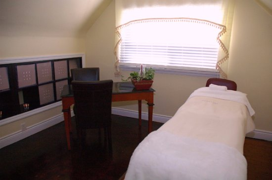 multiple massage rooms for rmt massages picture of la peau d or rh tripadvisor com