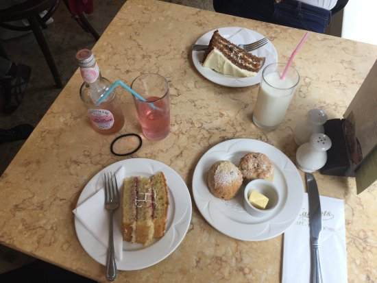 Tea time: Carrot cake, Victoria sponge cake, scones, lemonade.