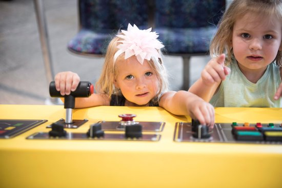 Minnesota Children's Museum: Diving the train in Our World