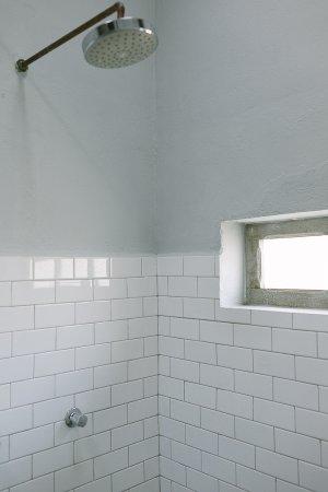 Posada Margherita: Room 8 shower
