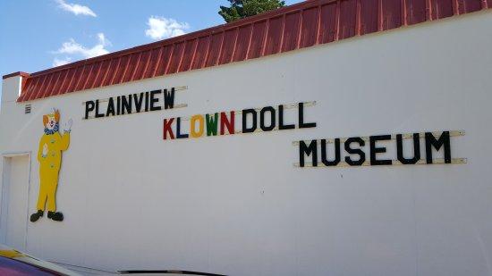 Plainview Nebraska - Klown Doll Museum