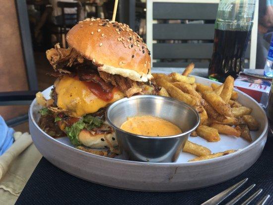 Un dia de chimenea bild von badal burger palma de - Chimeneas palma de mallorca ...