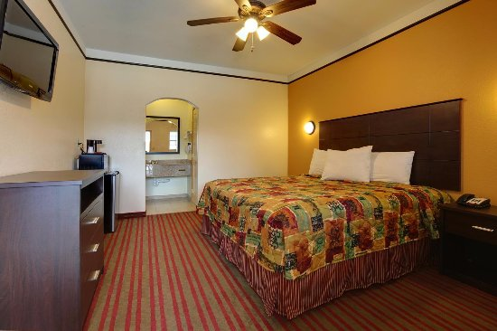 San Benito, TX: One King Bed