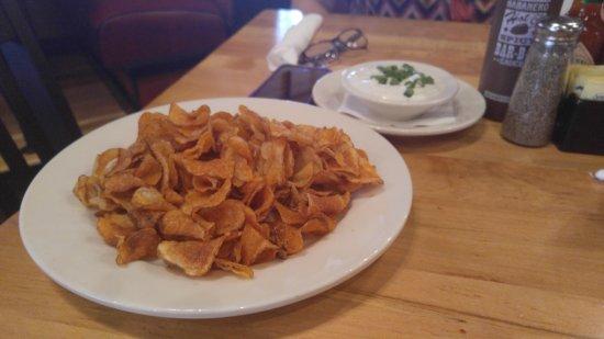 Murfreesboro, TN: Homemade BBQ Chips with blue cheese dressing