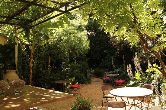 Les jardins de baracane updated 2018 guesthouse reviews - Le petit jardin de yoyo monts avignon ...