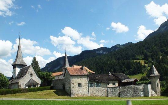 Église Romane de Rougemont