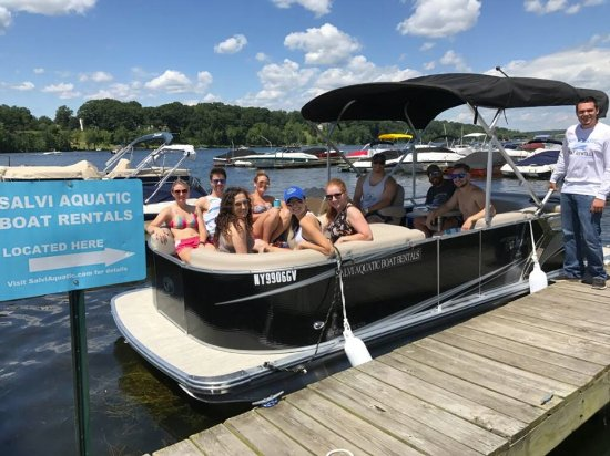 Saratoga Springs, NY: Customers with Salvi Aquatic owner, Steve Salvi.