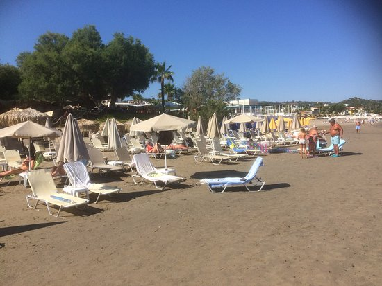 Dias Studios & Apartments : Beach near hotel
