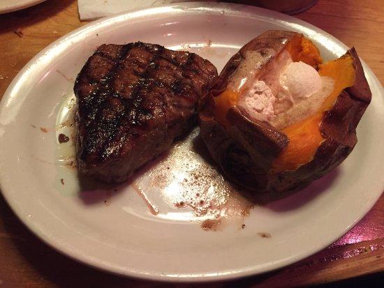 เมทูเอน, แมสซาชูเซตส์: steak and sweet potato