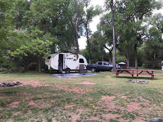 Cornville, AZ: Spacious sites, with plenty of room between them.