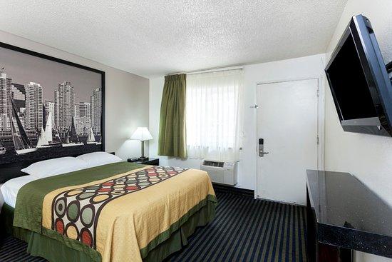 super 8 san diego hotel circle updated 2018 prices. Black Bedroom Furniture Sets. Home Design Ideas