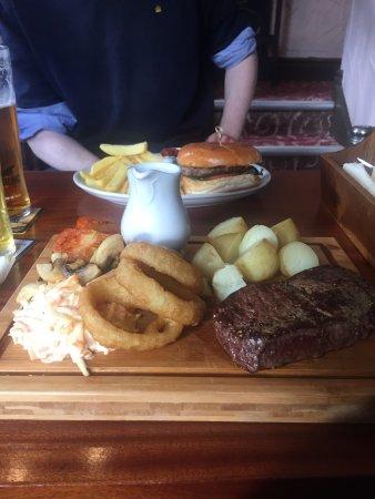 The Queens Pub: photo0.jpg