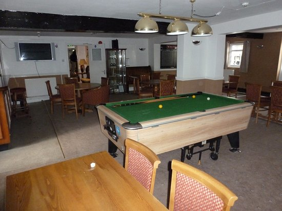 Charlton Kings, UK: Pool Tables new home. Skittle Alley, Sky Sports, Private Bar, Function room (100 people).