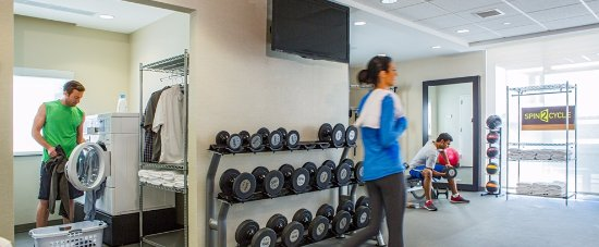 Baytown, TX: Fitness Center and Laundry