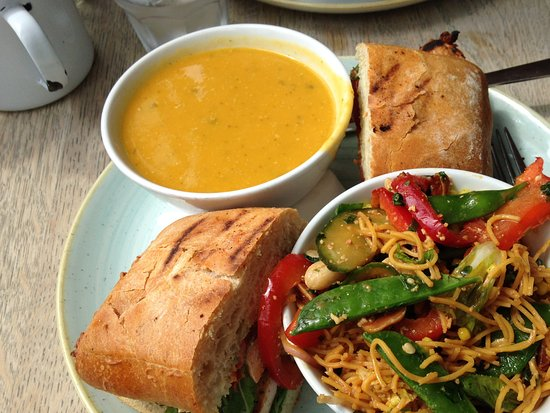 ‪‪Juniors‬: Spiced Butternut squash soup, oriental salad and chargrilled chicken sandwich BRILLIANT‬