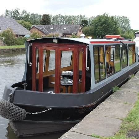 Burscough, UK: cruise barge