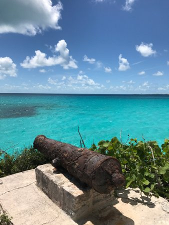 how to get to blue lagoon island from nassau