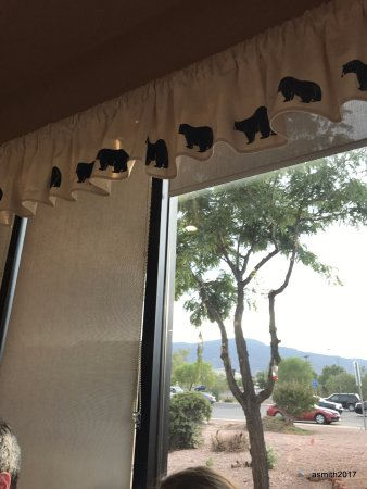 Cottonwood, AZ: Bear curtains