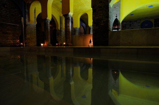 Foto de Baños Árabes Aljibe de San Miguel, Granada: Aljibe ...