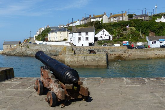 Porthleven harbour and cannon