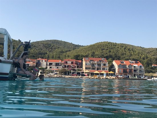 Prizba, Kroatien: View of Riva1 from the bay.