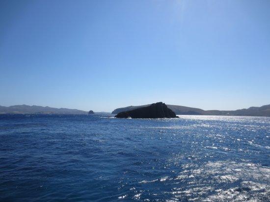 Adamas, Grekland: Γλαρονήσια