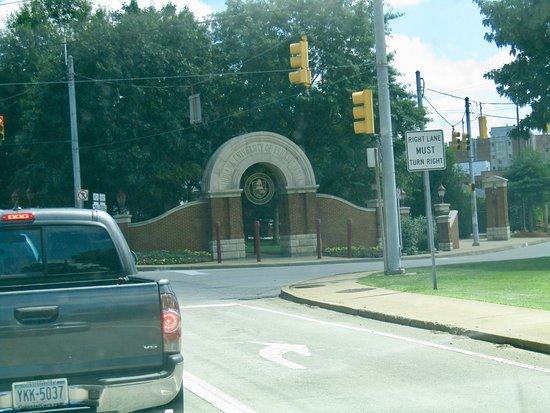 Iup Indiana pa: Gateway